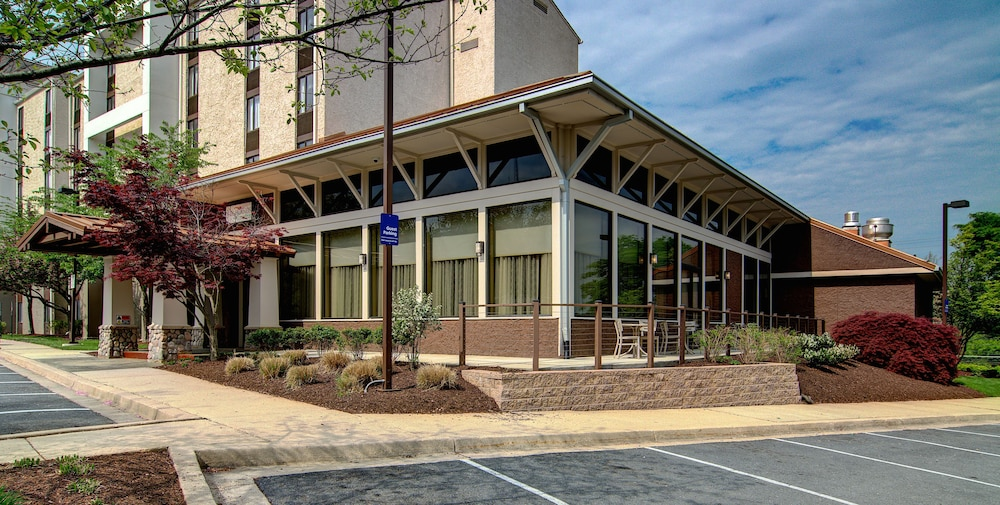 Exterior, Holiday Inn Express Hotel & Suites Germantown-Gaithersburg