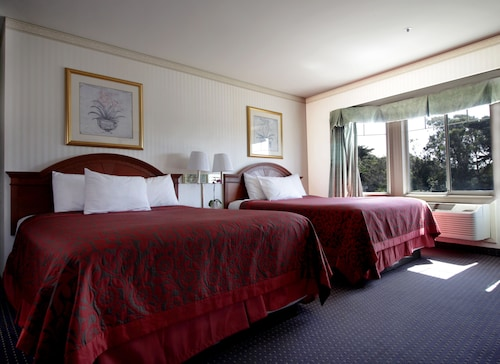 Great Place to stay Mirage Inn and Suites near San Francisco