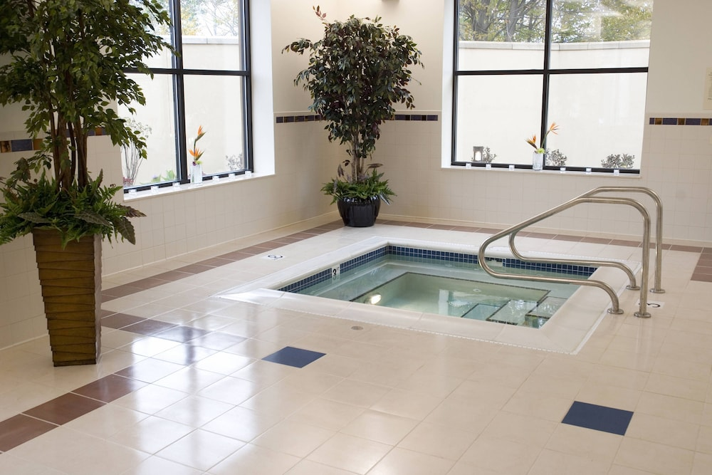 Indoor Spa Tub, Courtyard by Marriott Canton