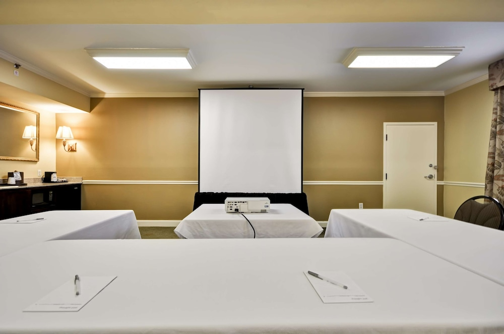 Meeting Facility, Hampton Inn Charleston - Historic District