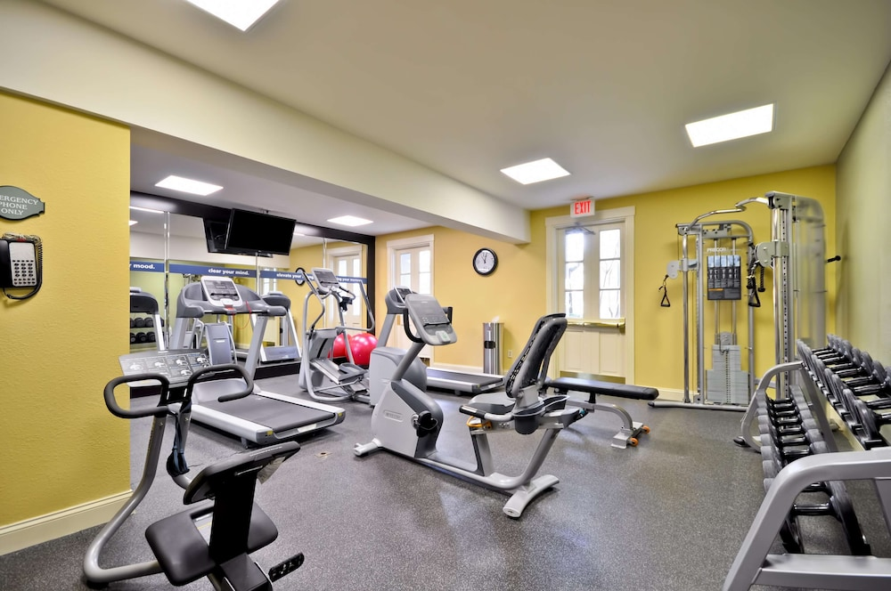 Fitness Facility, Hampton Inn Charleston - Historic District