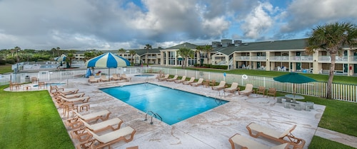 Days Inn & Suites by Wyndham Jekyll Island