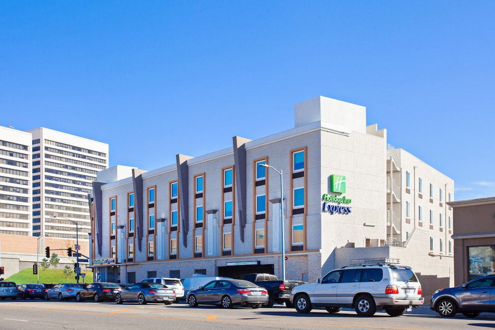 Featured Image, Holiday Inn Express West Los Angeles