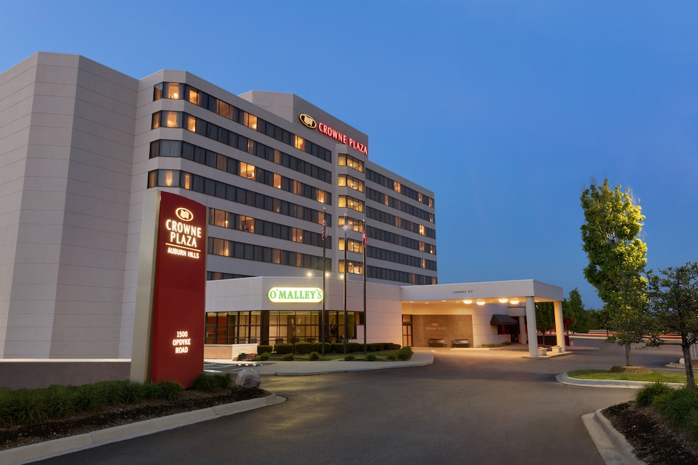 Featured Image, Crowne Plaza Auburn Hills