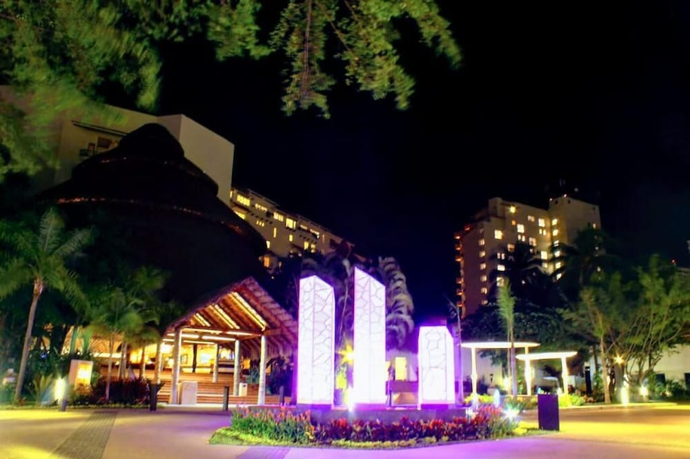 Front of Property - Evening/Night, Fiesta Americana Puerto Vallarta All Inclusive & Spa