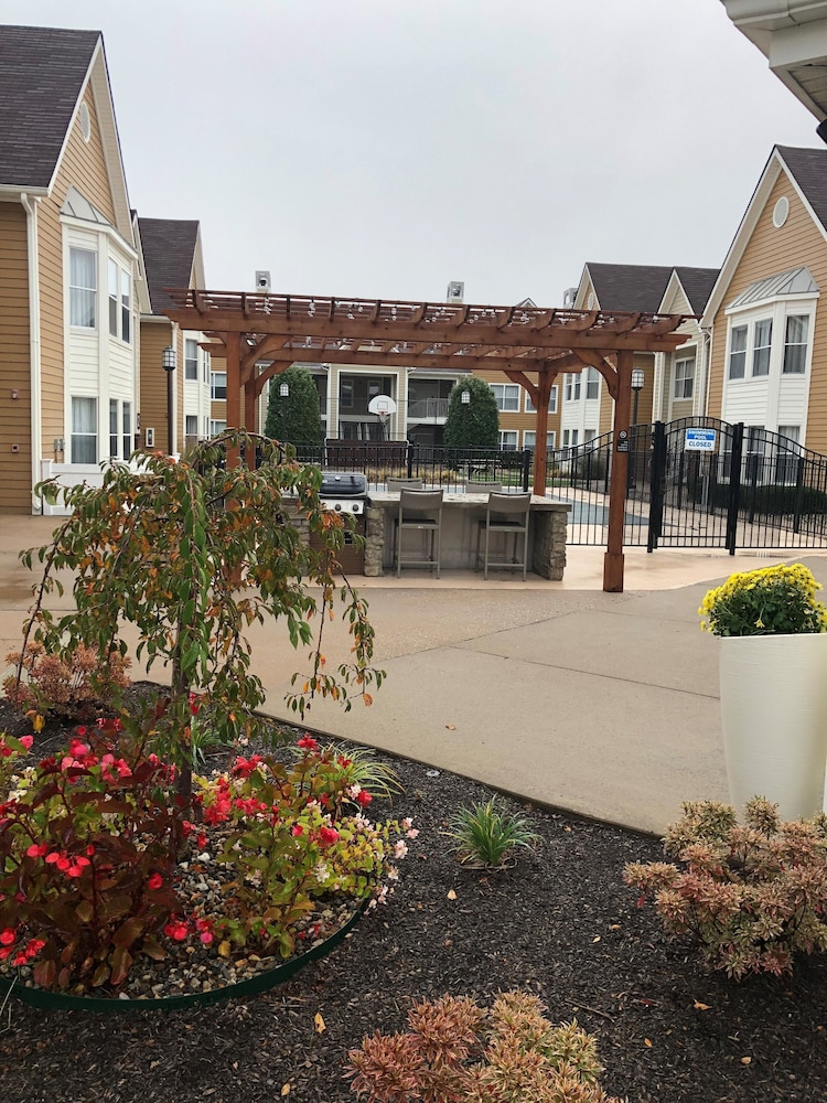 Terrace/Patio, Homewood Suites by Hilton Hartford/Windsor Locks