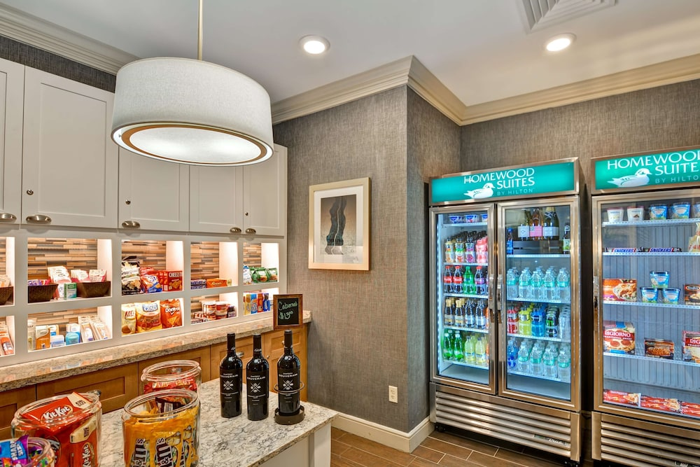 Snack Bar, Homewood Suites by Hilton Hartford/Windsor Locks