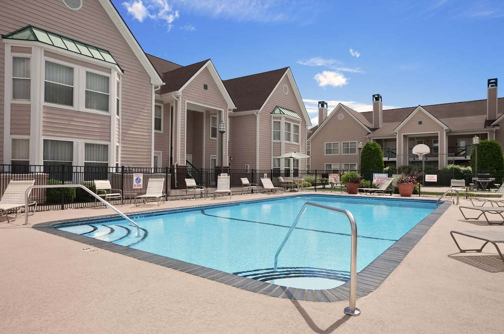 Pool, Homewood Suites by Hilton Hartford/Windsor Locks