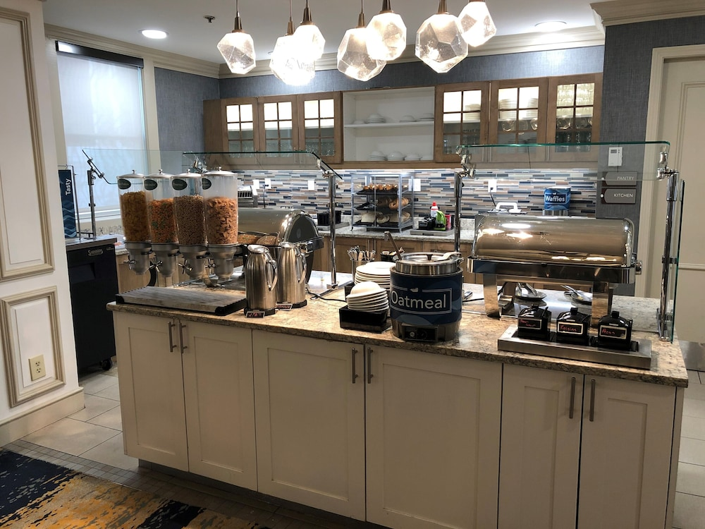 Breakfast buffet, Homewood Suites by Hilton Hartford/Windsor Locks