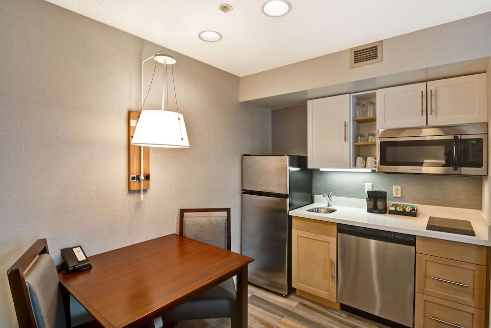Living Area, Homewood Suites by Hilton Hartford/Windsor Locks