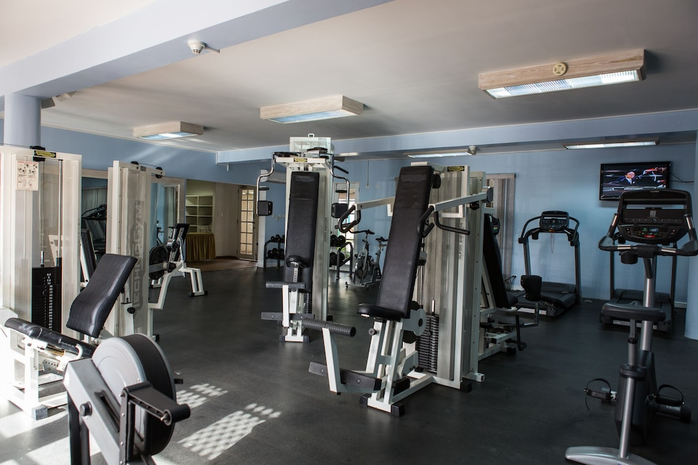 Gym, Crystal Cove by Elegant Hotels All Inclusive Resort