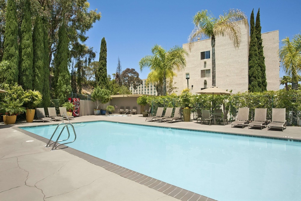 Pool, Days Inn by Wyndham San Diego Hotel Circle