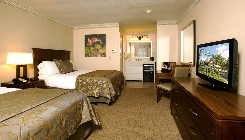 Room, Days Inn by Wyndham San Diego Hotel Circle