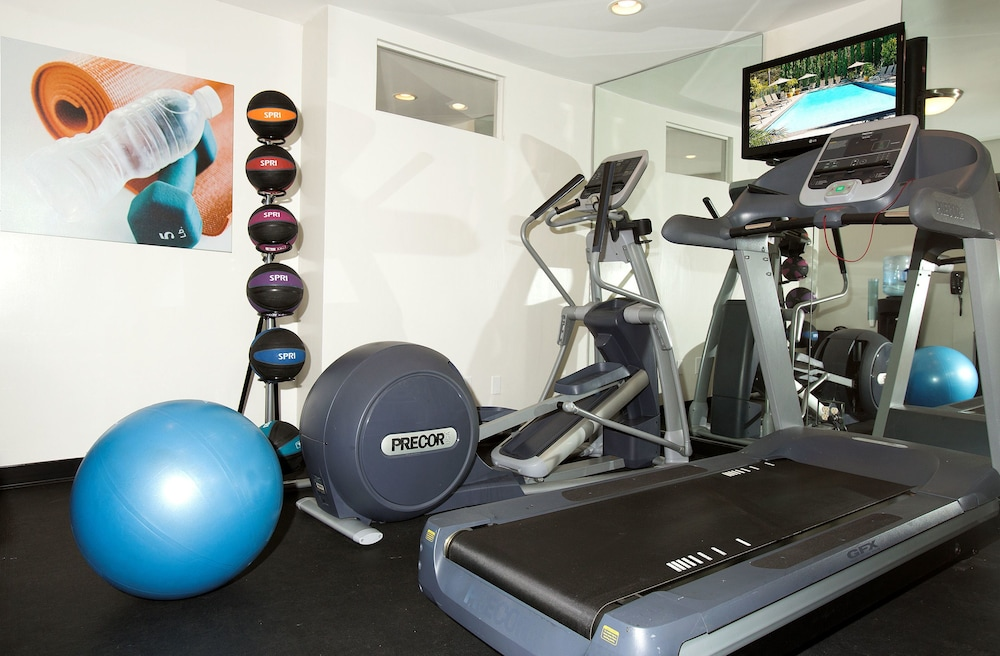 Gym, Days Inn by Wyndham San Diego Hotel Circle