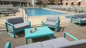 Seasonal outdoor pool, open 8:00 AM to 9:00 PM, sun loungers