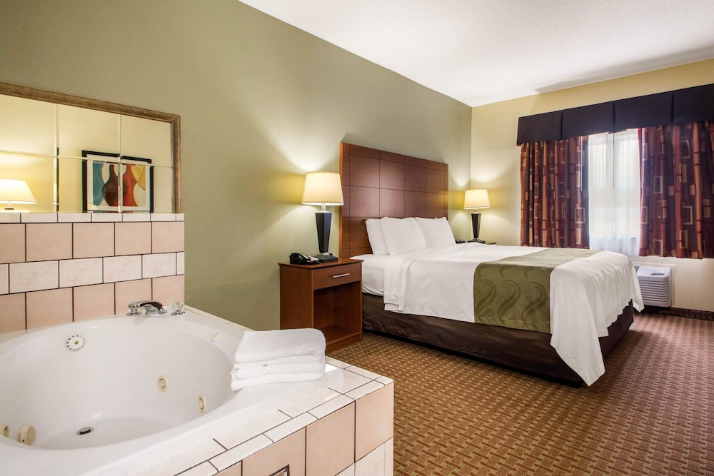 Room, Quality Inn & Suites