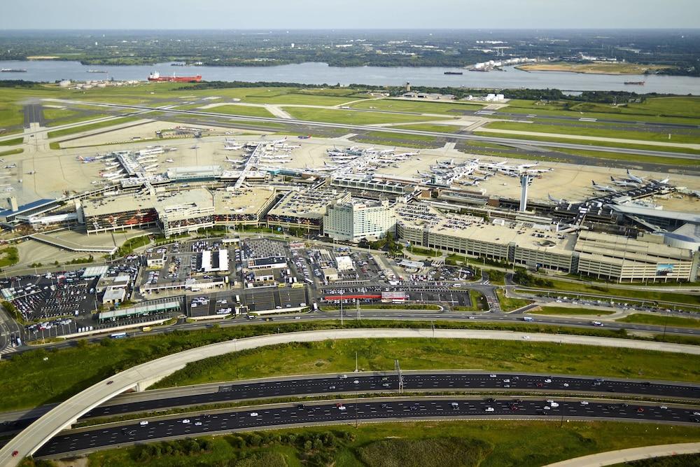 Philadelphia Airport Marriott in Philadelphia, PA | Expedia