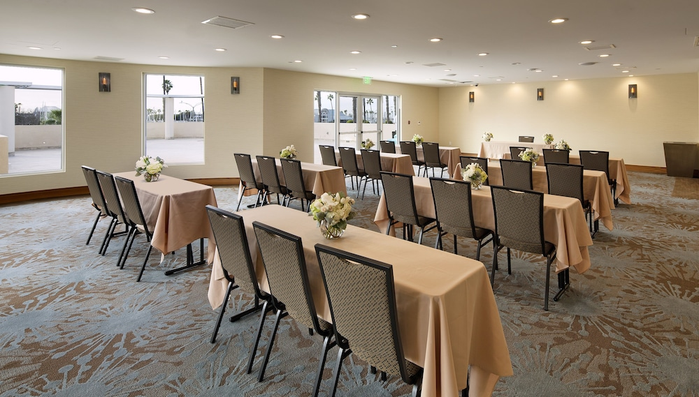 Meeting Facility, Redondo Beach Tapestry by Hilton