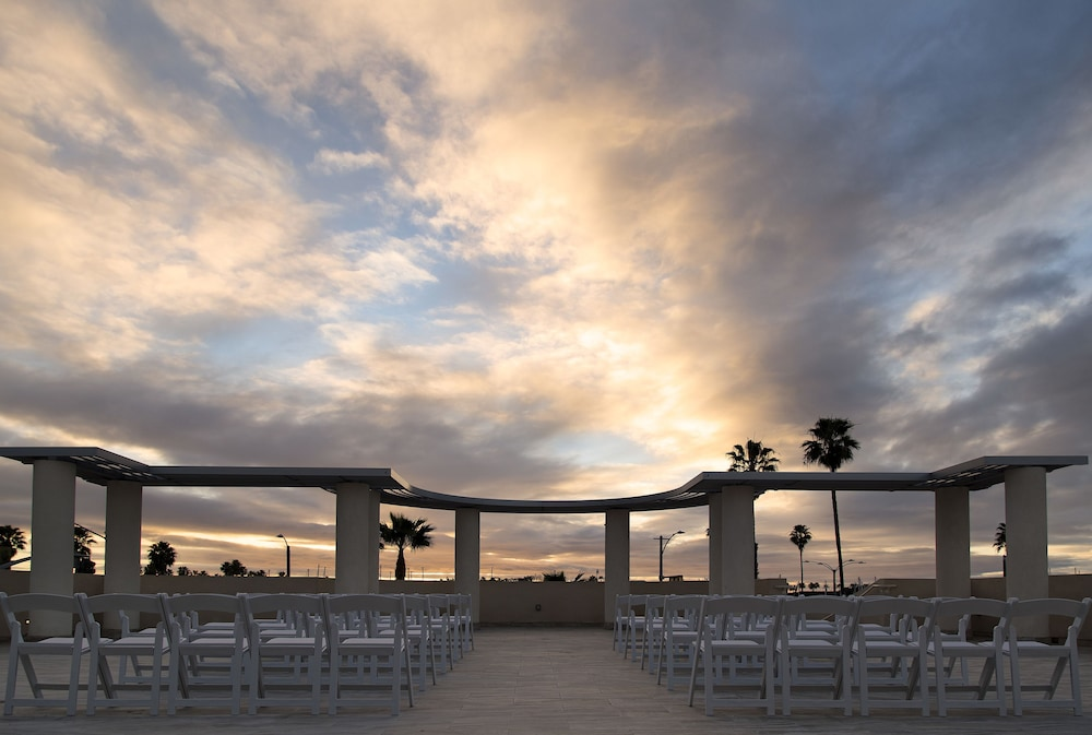 Outdoor Wedding Area, Redondo Beach Tapestry by Hilton