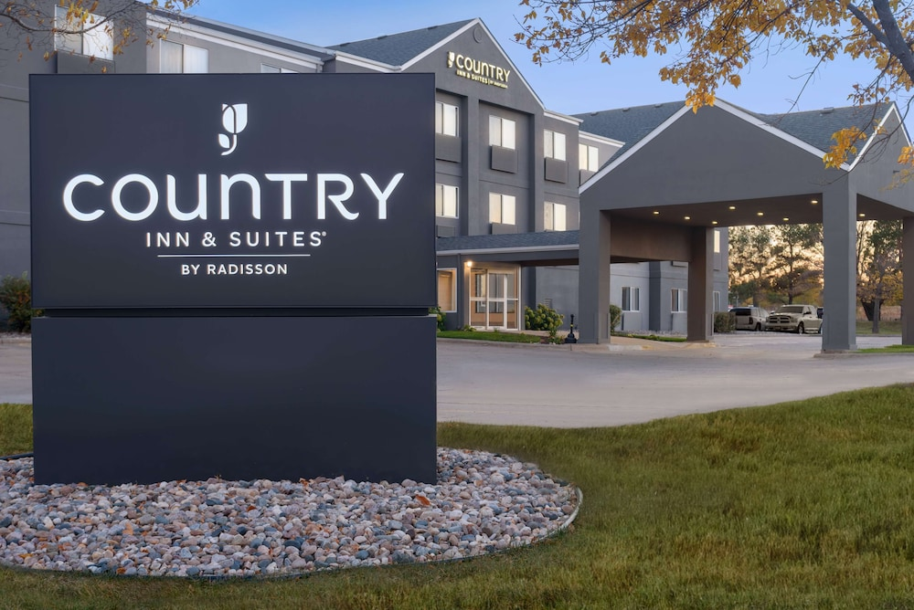 Featured Image, Country Inn & Suites by Radisson, Brookings, SD