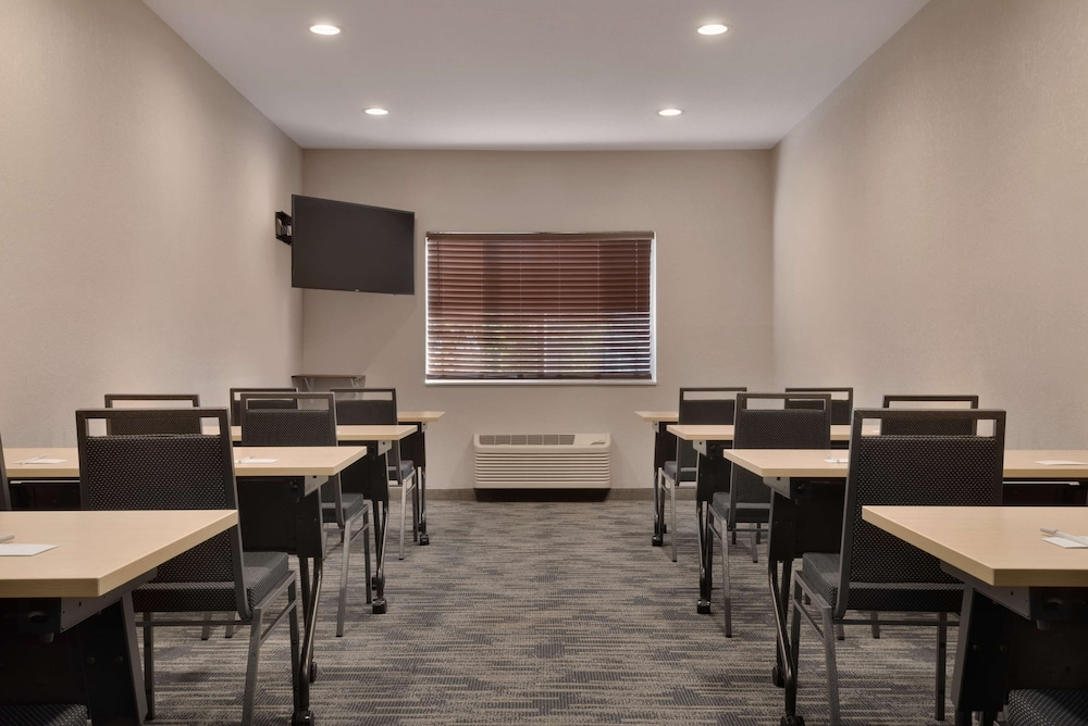 Meeting Facility, Country Inn & Suites by Radisson, Brookings, SD