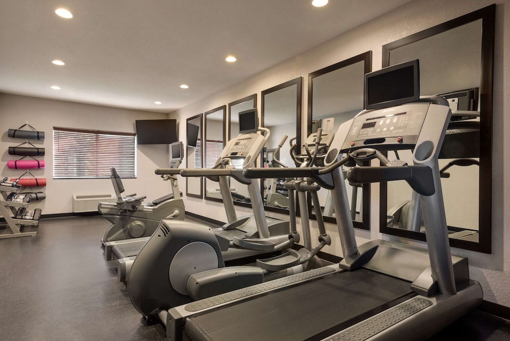 Fitness Facility, Country Inn & Suites by Radisson, Brookings, SD