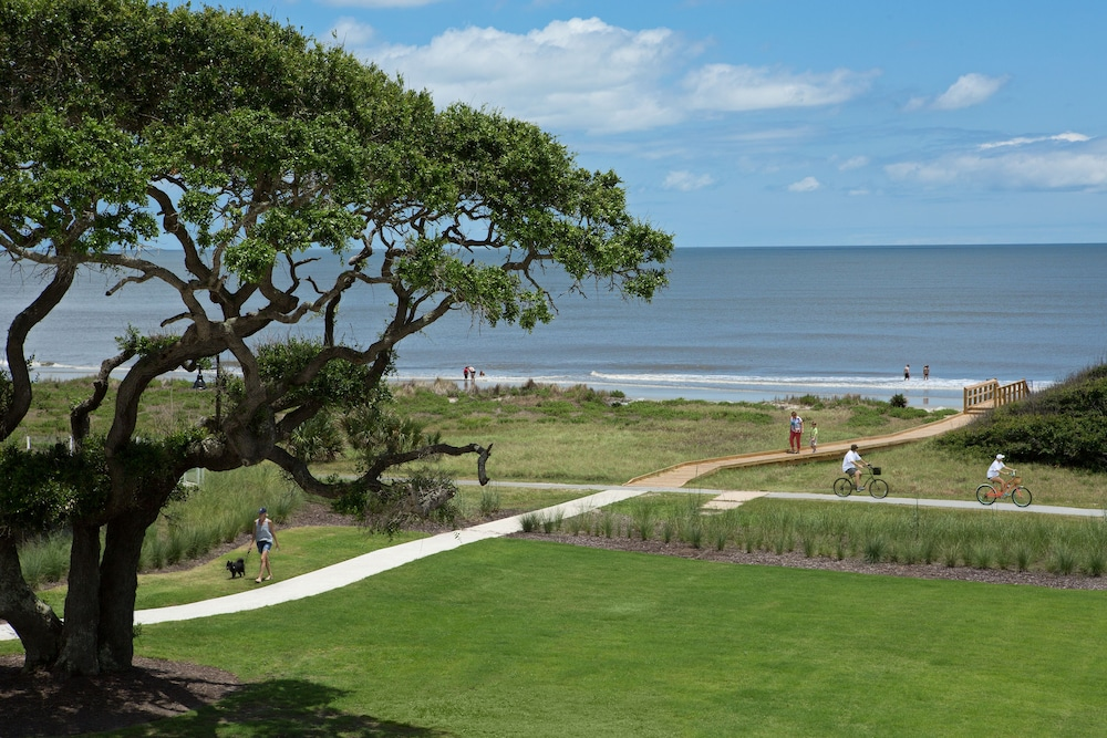 Rooms: Holiday Inn Resort Jekyll Island: 2019 Room Prices $96