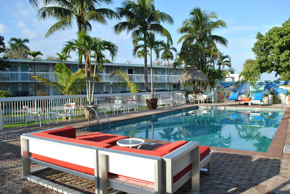 Outdoor Pool, Floridian Hotel