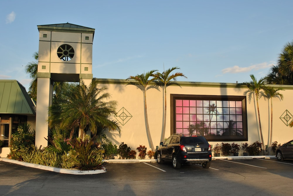 Front of Property, Floridian Hotel