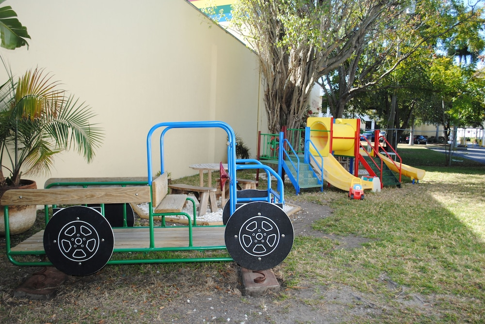 Children's Play Area - Outdoor, Floridian Hotel