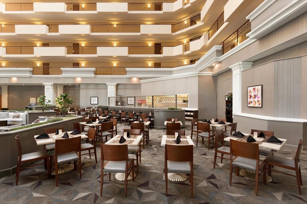 Hilton Chicago Oak Brook Suites In Oakbrook Terrace Hotel Rates Revie