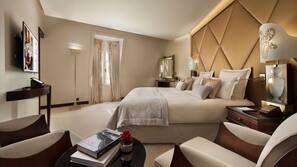 Premium bedding, down duvet, Select Comfort beds, free minibar