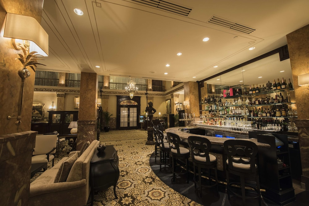 Lobby Lounge, The Pfister Hotel