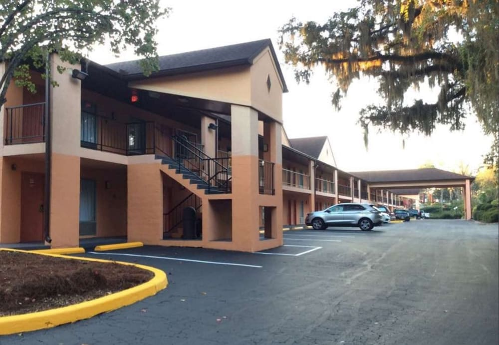 Exterior, Best Western Tallahassee-Downtown Inn & Suites