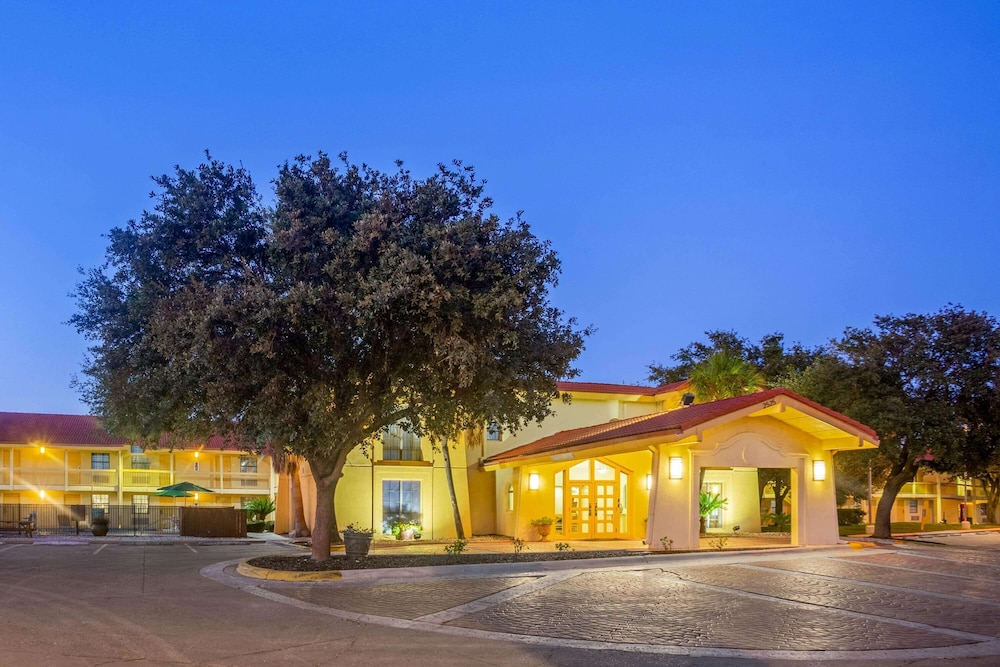 Exterior, La Quinta Inn by Wyndham Eagle Pass
