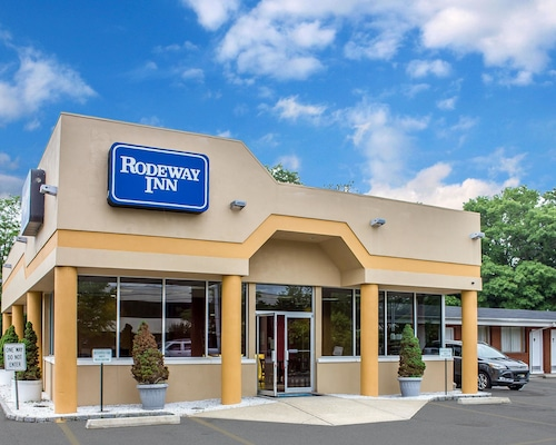 Check Expedia for Availability of Rodeway Inn Macarthur Airport