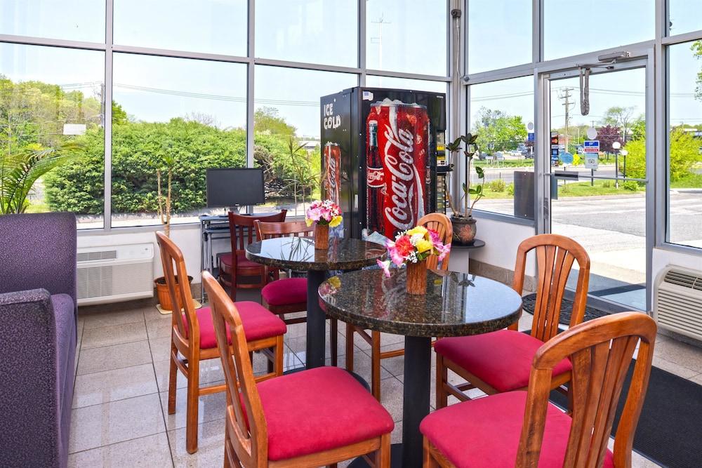 Americas Best Value Inn Smithtown Long Island In Hotel Rates Reviews On Orbitz