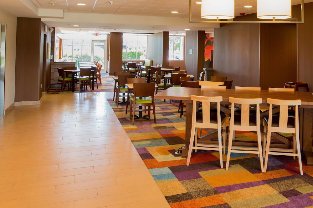 Breakfast Area, Fairfield Inn & Suites by Marriott Lumberton