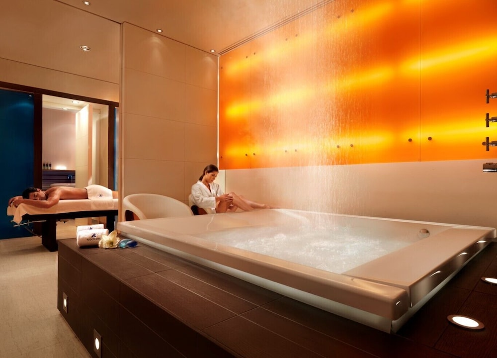 Indoor Spa Tub, Athenaeum InterContinental