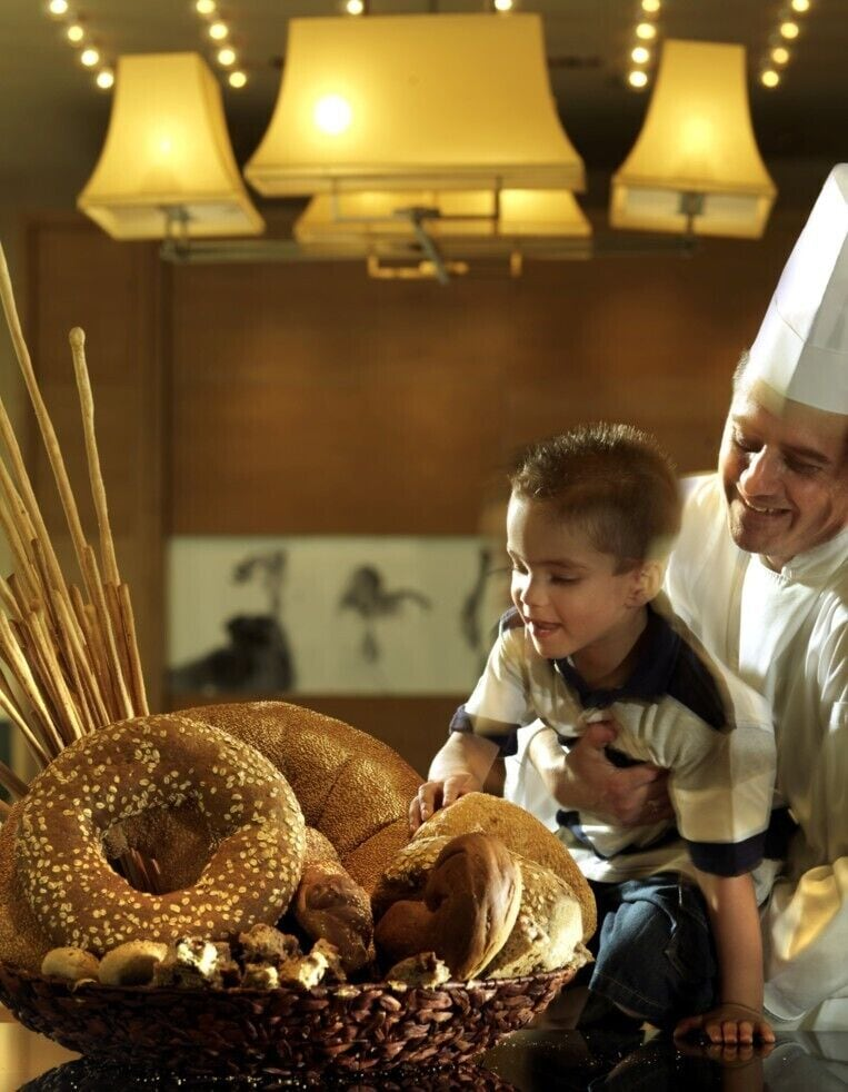 Family Dining, Athenaeum InterContinental