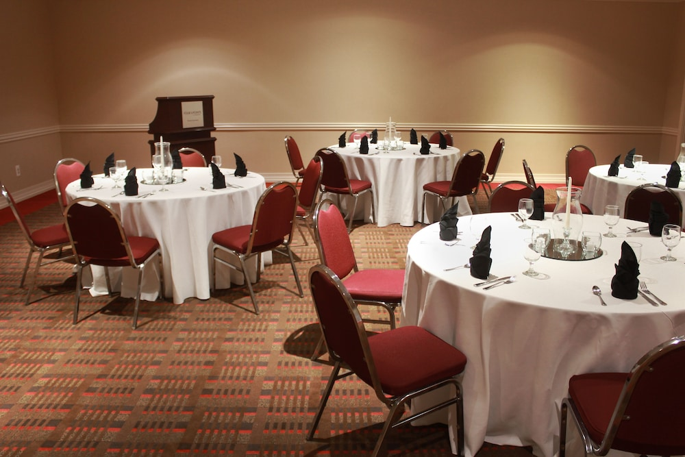 Banquet Hall, Four Points by Sheraton Kansas City Airport