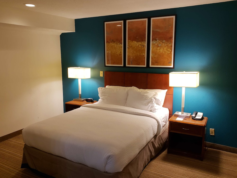 Room, Hawthorn Suites by Wyndham Vienna/Tysons Corner