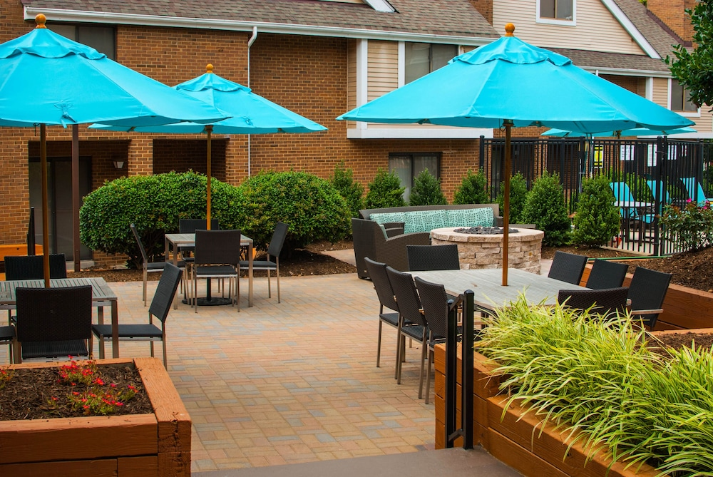 Terrace/Patio, Hawthorn Suites by Wyndham Vienna/Tysons Corner