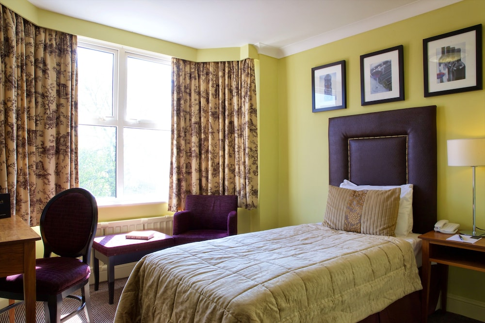 Bournemouth West Cliff Hotel 3 0 Out Of 5 Exterior Featured Image Guestroom