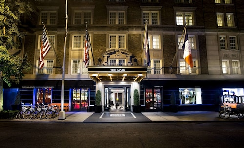 Hotels near Lenox Hill Hospital, New York: Find Cheap $95