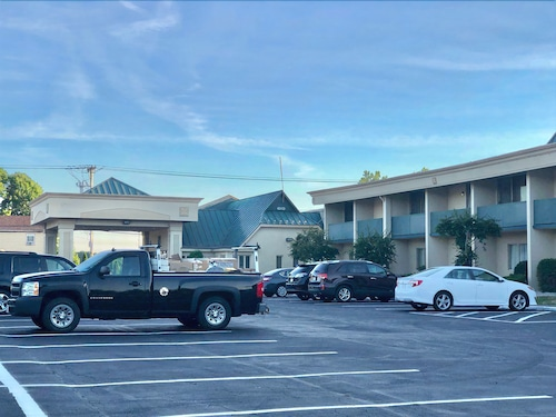 Great Place to stay Riverview Inn & Suites near Somerset