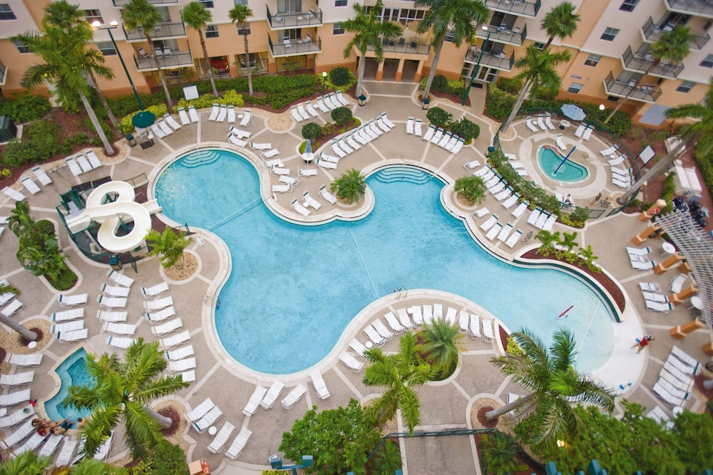 Outdoor Pool, Club Wyndham Palm-Aire