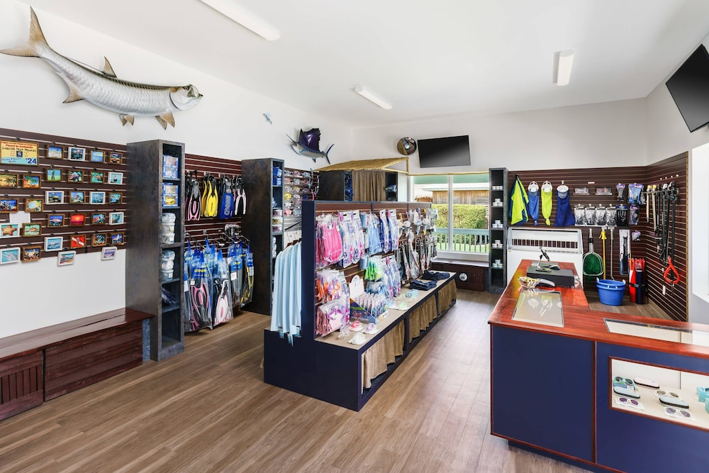 Gift Shop, Fairfield Inn & Suites by Marriott Marathon Florida Keys