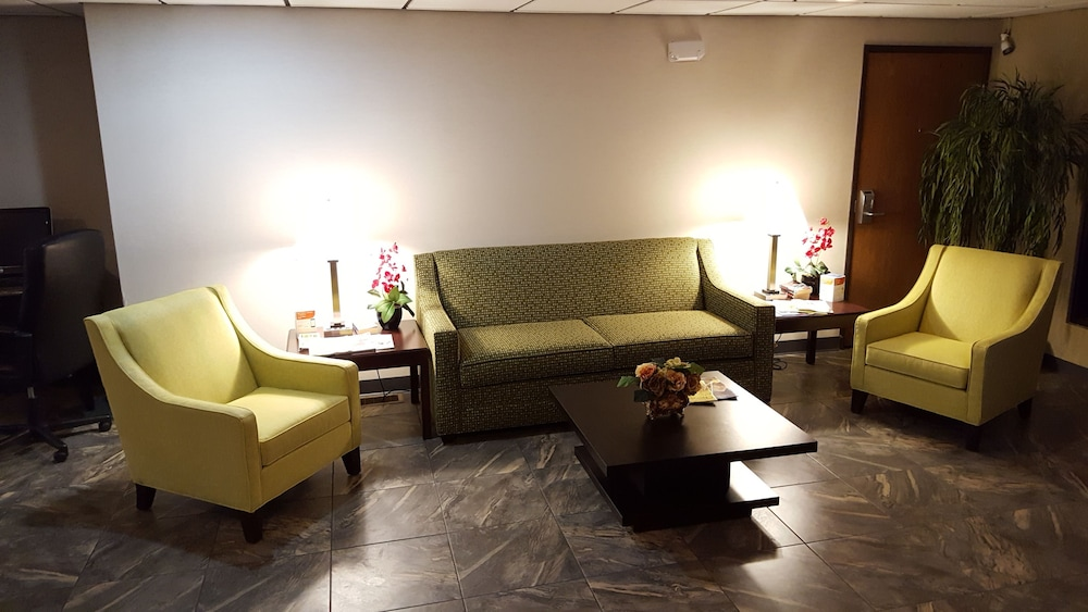 Lobby Sitting Area, Quality Inn