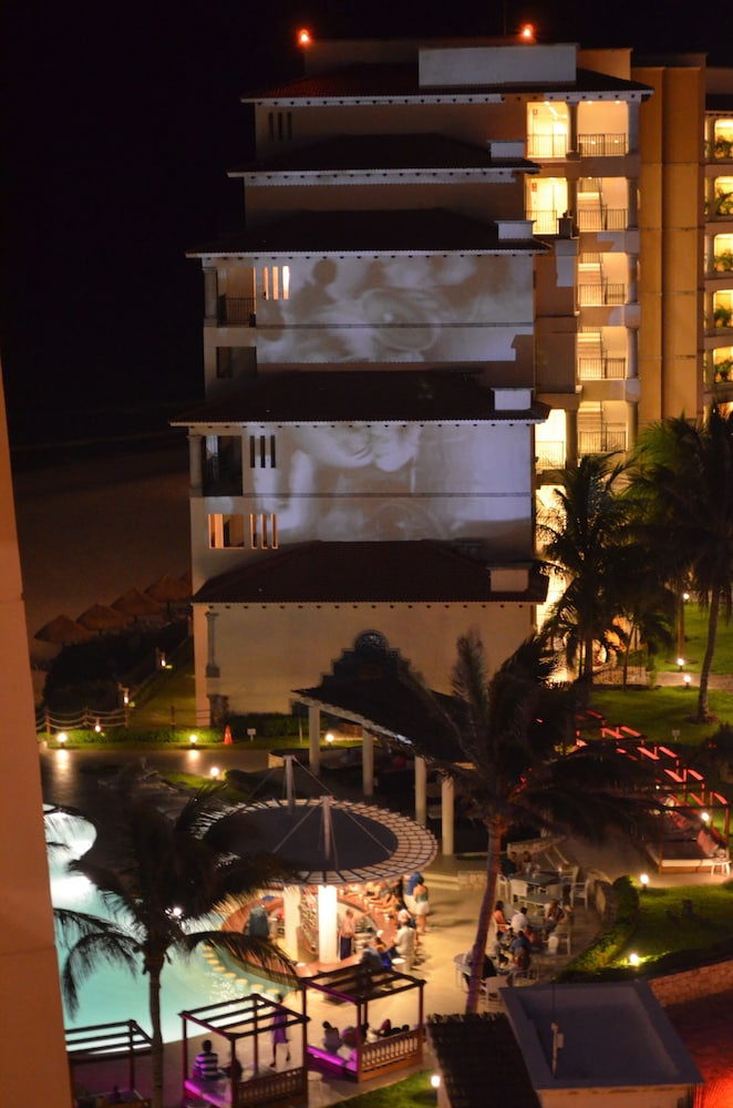 Exterior, Grand Park Royal Cancun - All Inclusive